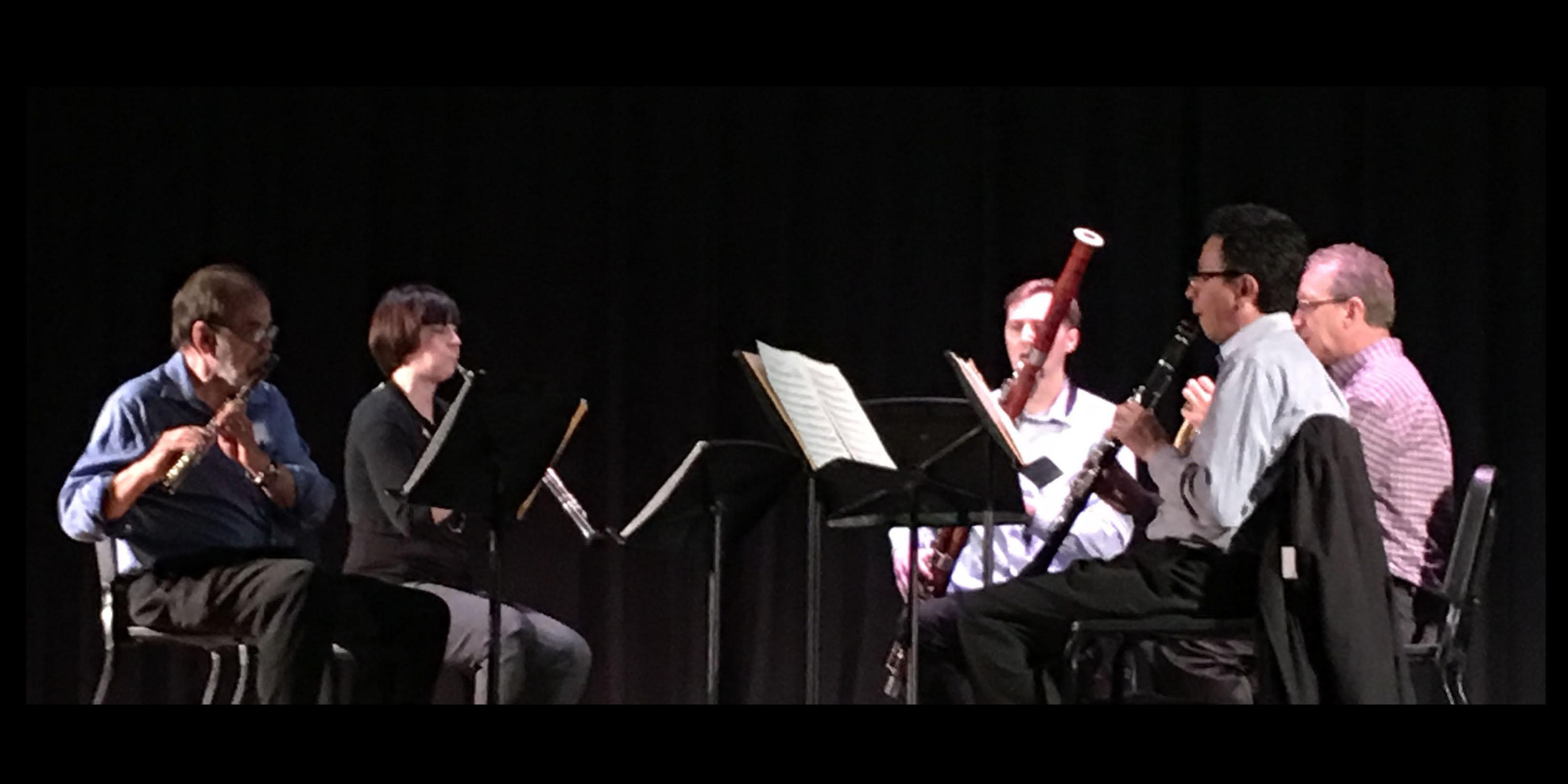 Chicago Symphony Orchestra woodwind quintet performs at Addison Trail