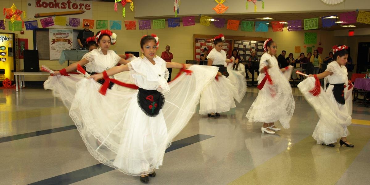 District 88 hosts Spanish-themed fundraiser to benefit students